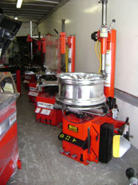 Used Coats 7050AX Rim Clamp Tire Changer